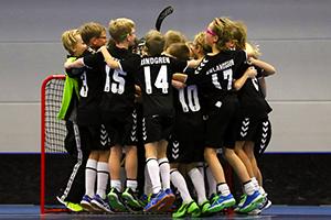 Huaros AB är stolt sponsor av ungdomsidrott och Västerås Innebandy p07.